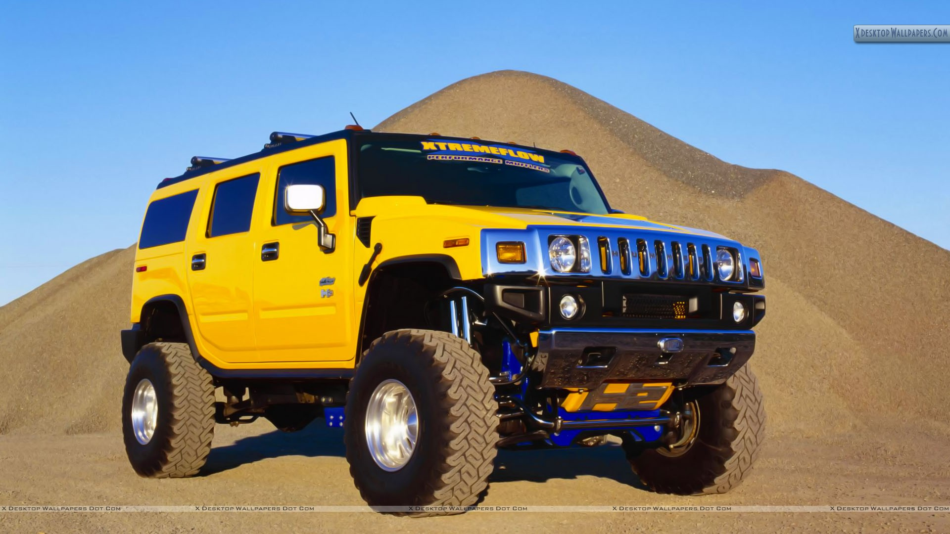 Yellow-Hummer-Jump-From-Mountain